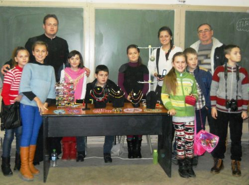 Tinerii parohiei ortodoxe din Gilău, alături de cei nevoiași