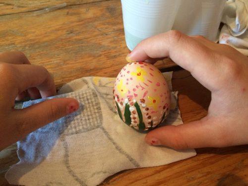 Atelier de încondeiere a ouălor la Parohia Pogorârea Sfântului Duh din Zalău