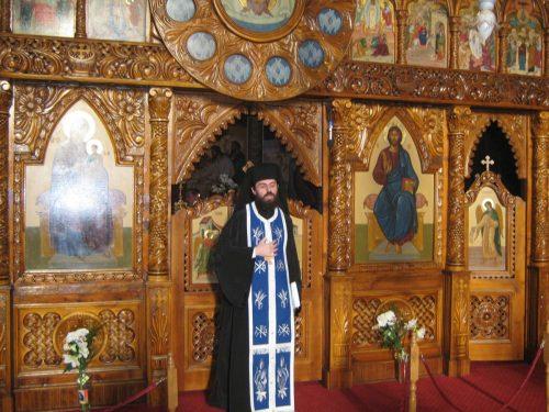 Seară duhovnicească la umbra Crucii, în Biserica de la Coroana