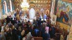 Zece copii rromi încreștinați prin Sfânta Taină a Botezului, în parohia Berindu