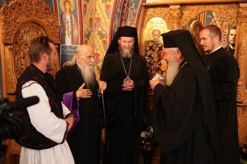 Înaltpreasfinţitul Părinte Justinian Chira, sărbătorit la vârsta de 95 de ani