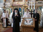 """Mitropolitul Clujului: """"Ajutați-i pe tineri să ducă o viață religioasă activă"""""""