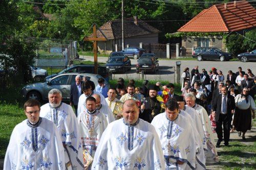 Episcopul Sălajului, în parohia Recea Mare de sărbătoarea Sfinților Împărați Constantin și Elena