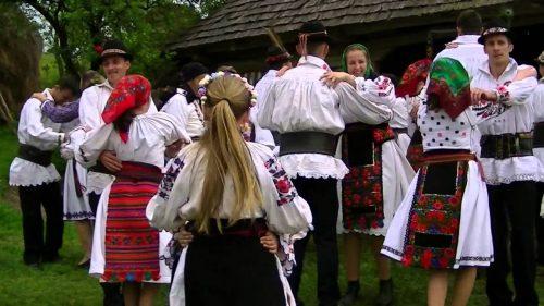 Jocul la șură, în satele din Transilvania