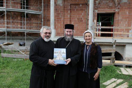Vizita frățească a Preasfințitul Iustin Sigheteanul în Italia