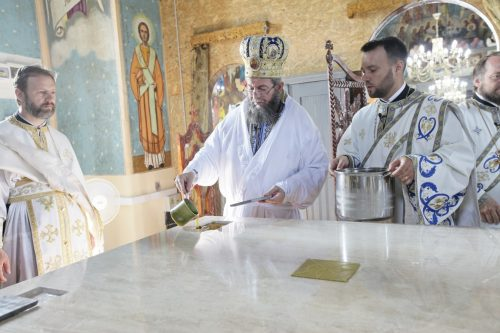 Târnosirea bisericii din Berinţa