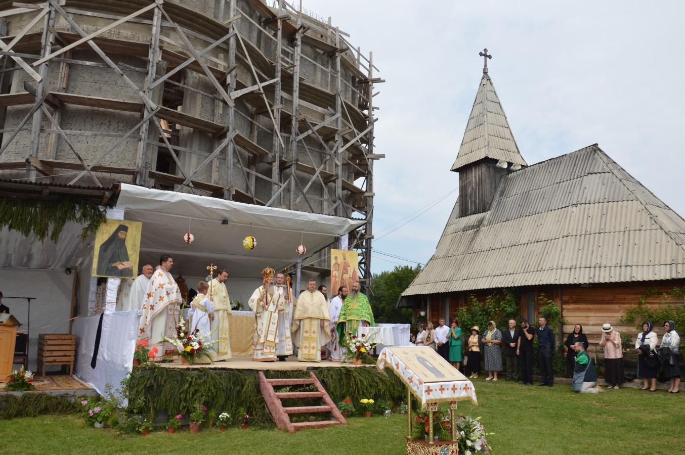 """Mănăstirea cu hramul """"Sfântul Ioan Iacob Hozevitul"""" Piatra Craiului"""