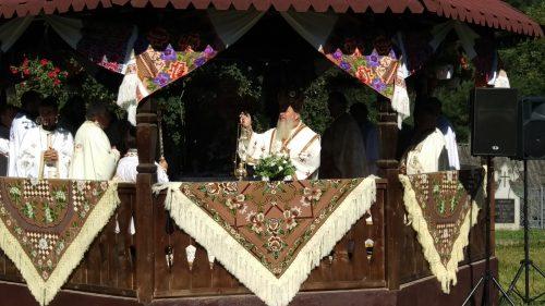 Mitropolitul Clujului, așteptat cu bucurie în parohia bistrițeană Borleasa