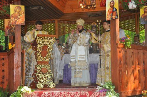 Liturghie Arhierească la Mănăstirea Rus
