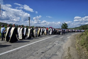 "Trei mii de credincioși, la pelerinajul pe jos ""La Nicula colo-n deal"""