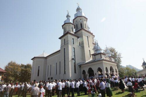 PS Iustin Sigheteanul, la hramul bisericii din satul natal
