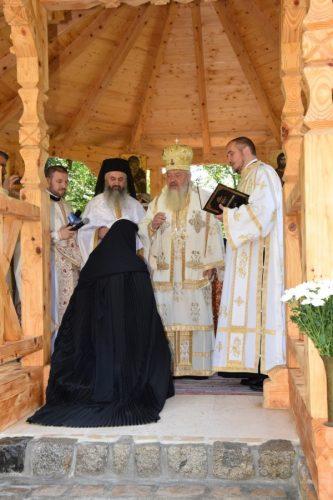 Altarul de vară al Mănăstirii Ciucea, sfințit de Mitropolitul Clujului