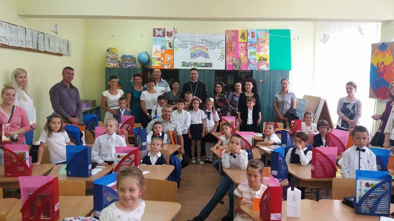 """Trei clase de tip after school, în Programul """"Sfântul Stelian"""" de la Școala gimnazială """"Ștefan cel Mare"""", Bistrița"""