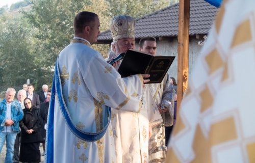 Noua biserică a parohiei Crișeni, târnosită de Mitropolitul Clujului ÎPS Andrei