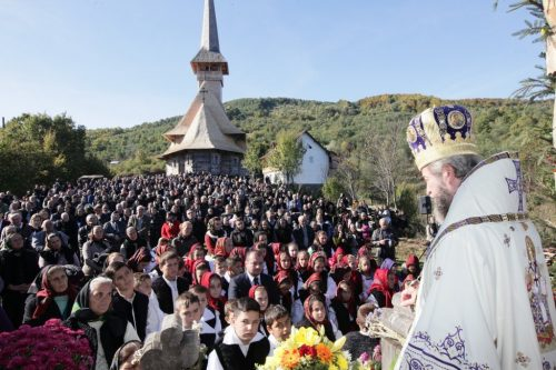 Liturghie Arhierească la Schitul Strâmtura
