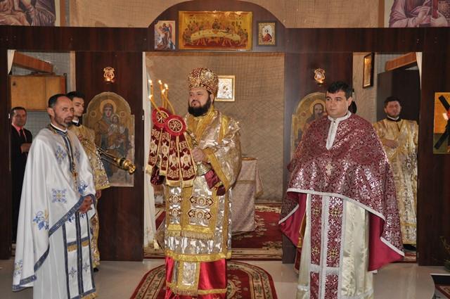 """Liturghie Arhierească la Parohia """"Sfântul Apostol Andrei"""" din Zalău"""