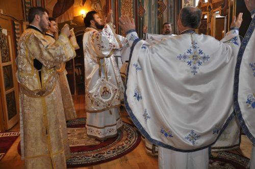 """Liturghie Arhierească la biserica """"Adormirea Maicii Domnului"""" din Jibou"""