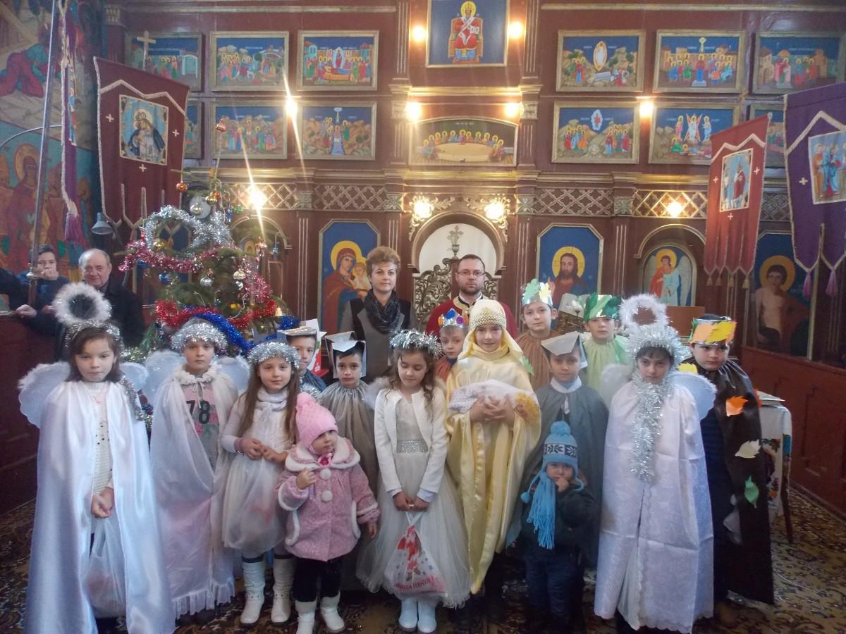 """Sceneta """"Bradul Credincios"""" în parohia ortodoxă din Mititei"""