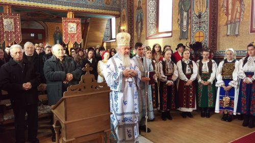 ÎPS Andrei le-a vorbit credincioșilor din parohia Vânători despre pocăință