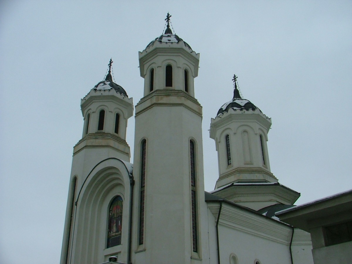 """Bucurie și comuniune, în biserica clujeană """"Întâmpinarea Domnului"""", de sărbătoarea hramului"""