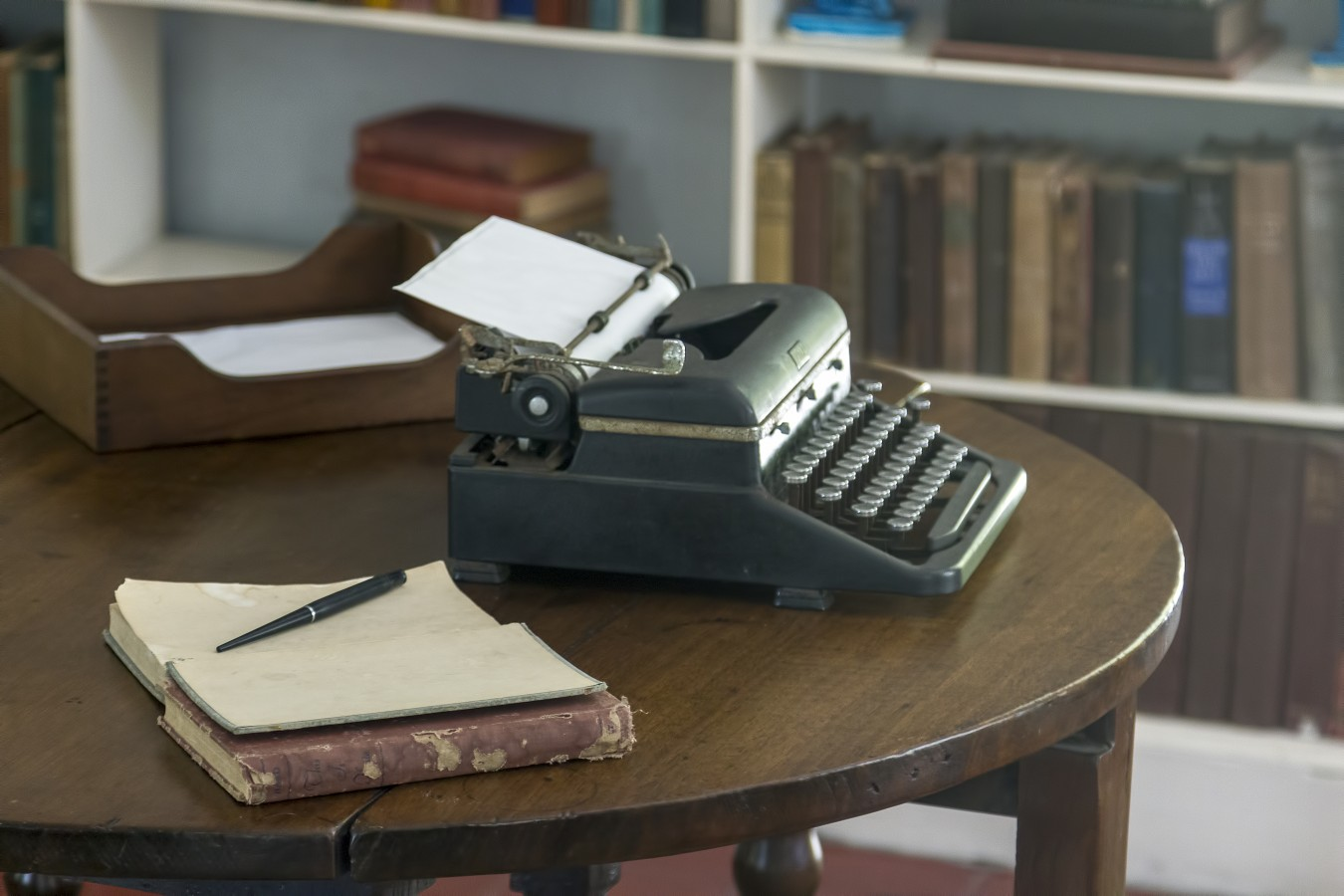 <span style='color:#B00000  ;font-size:14px;'>Filmul săptămânii</span> <br> The Words (Cuvintele)</p>