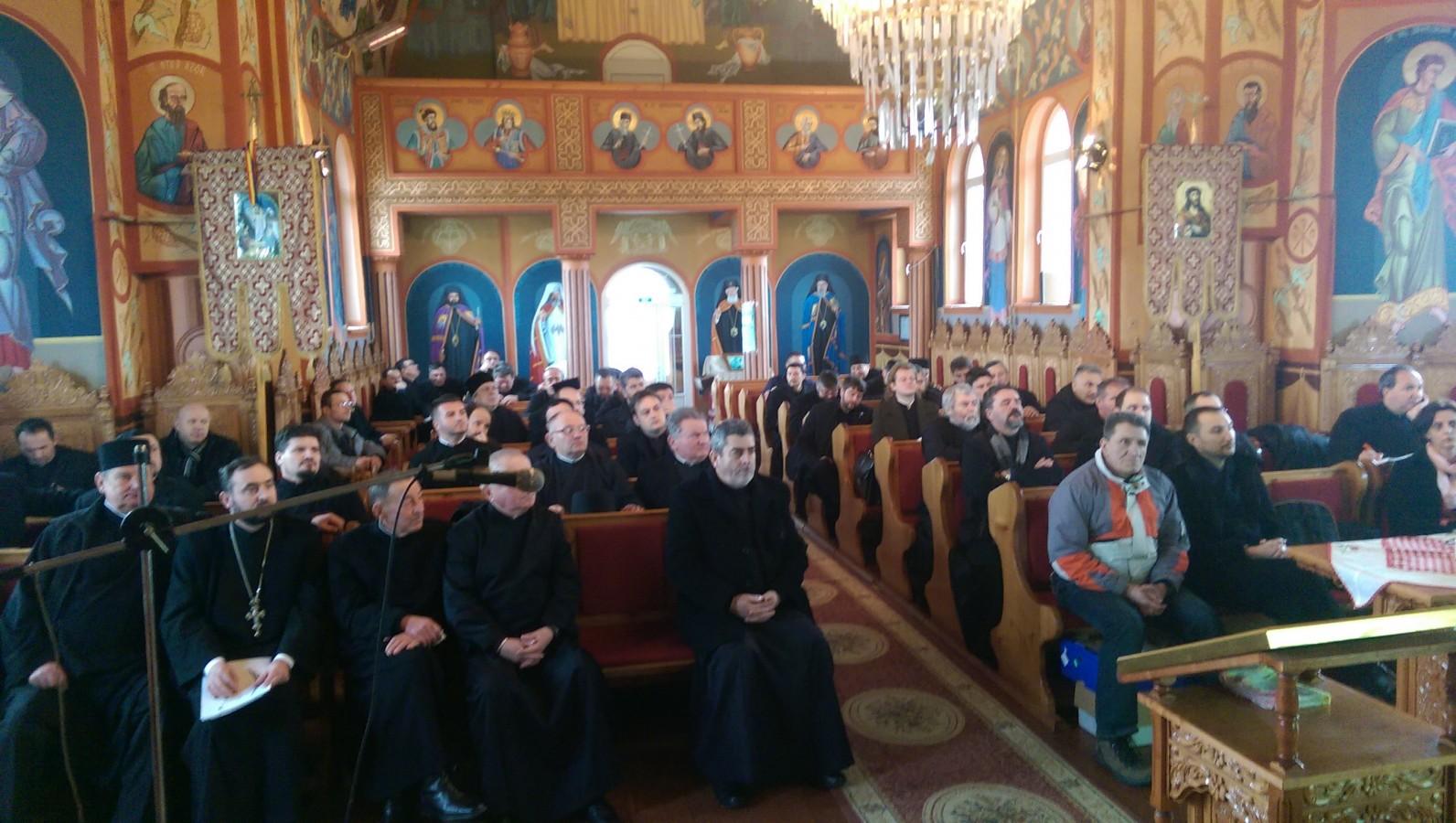 Combaterea adicțiilor, în atenția preoților din Protopopiatul Cluj I