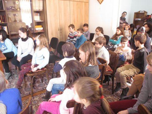 """Atelier inedit de povești în Parohia clujeană """"Sfânta Treime"""": """"Să învățăm să creștem mici"""""""