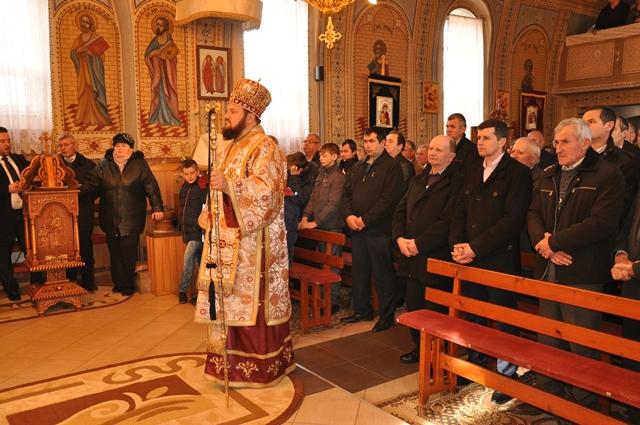 Liturghie Arhierească la Parohia Subcetate