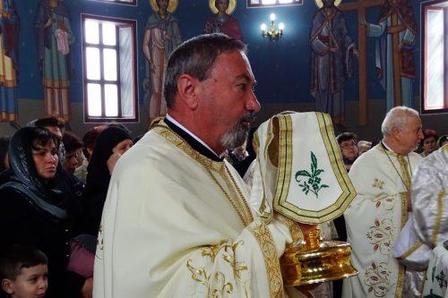 În a doua zi de Paști, ÎPS Andrei s-a întâlnit cu bistrițenii