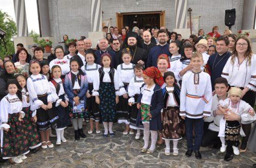 Liturghie Arhierească în Parohia Badon din Episcopia Sălajului
