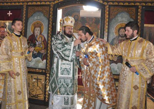 Liturghie Arhierească în Parohia Rona din Episcopia Sălajului