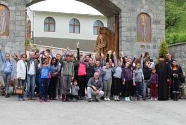 Kilometrul albastru la mănăstirea Rebra-Parva