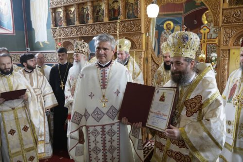 Sfinţirea bisericii ortodoxe din Apateu, Ungaria