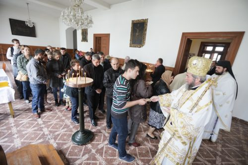 Sfântă Liturghie la capela Aşezământului Românesc din Curţile Gojdu