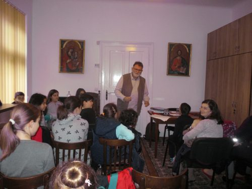 """O sâmbătă a poveștilor în Parohia clujeană """"Sfânta Treime"""", alături de scriitorul Florin Bican"""
