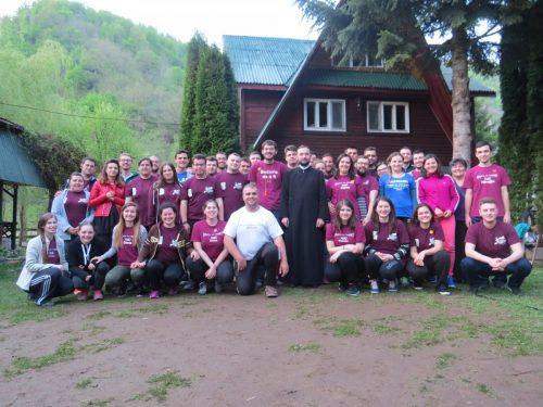 """Tabăra anuală a Grupului Parohial de Tineret al Bisericii """"Adormirea Maicii Domnului"""" Cluj-Napoca"""