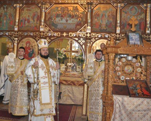 Liturghie arhierească, în parohia sălăjeană Dragu