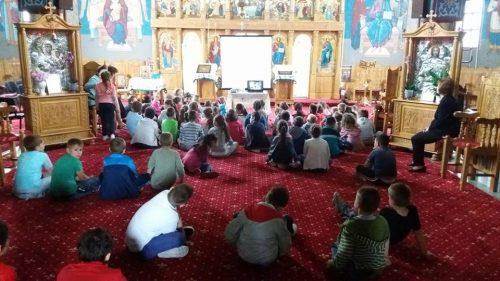 """Ziua copilului sărbătorită la Biserica Ortodoxă """"Sfânta Treime"""" din Bistrița"""