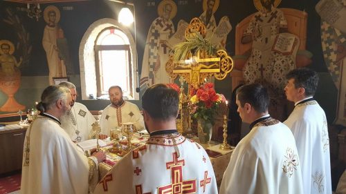 """Un sobor ales de preoți, la hramul Bisericii """"Sfântul Ioan Botezătorul"""" din Borhanci"""
