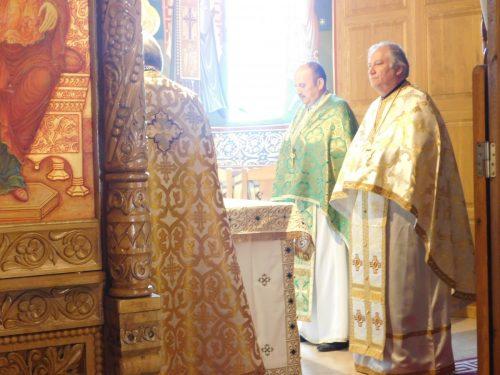 """Hramul Bisericii """"Pogorârea Sfântului Duh"""" din cartierul clujean Grigorescu"""