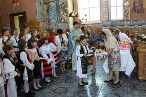 """Sfântul Onufrie, cinstit de elevii de la școala """"Constantin Brâncuși"""" din Cluj"""