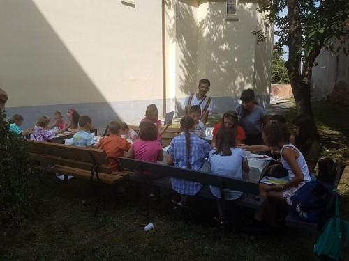 """Școala de vară """"Bucuria credinței"""", la parohia """"Sf. Nicolae"""" din Cluj"""