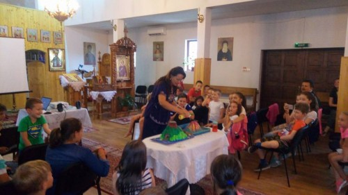 """Școală de vară la parohia """"Sf. Dumitru"""" din Florești"""