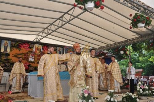 Târnosirea bisericii din parohia sălăjeană Cosniciu de Sus
