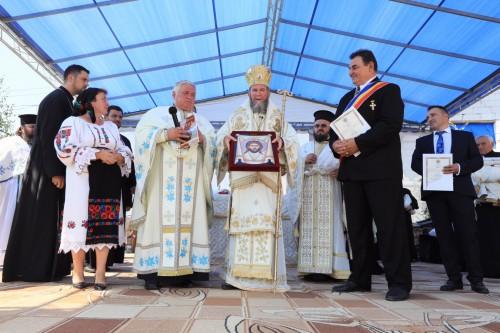 Târnosirea bisericii din parohia maramureșeană Baba