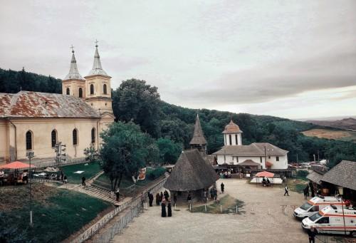 Mii de credincioși, pelerini pe drumul Niculei