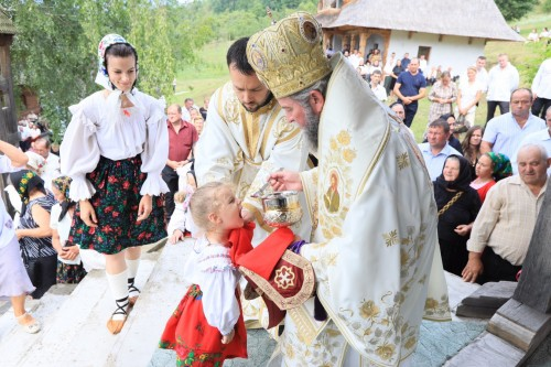 Hramul şi târnosirea Paraclisului Mănăstirii Botiza