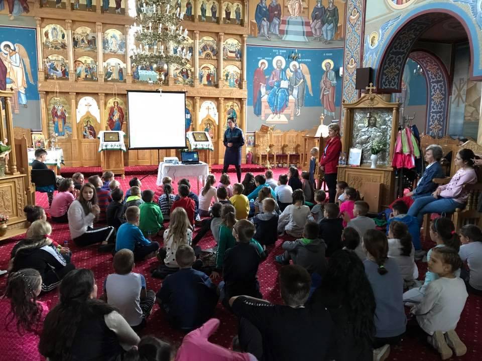 """O săptămâna trăită din plin la Biserica Ortodoxă """"Sfânta Treime"""" din Bistrița"""