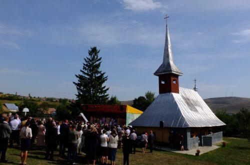 """Mitropolitul Clujului: """"Drumul Domnului Hristos este un drum al Crucii, dar ajunge în cer"""""""
