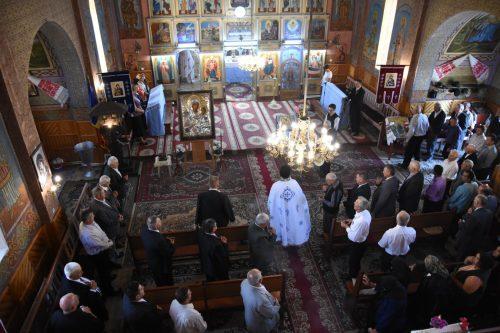 O copie a icoanei Maicii Domnului Prodromița, dusă spre închinare în parohia Geaca